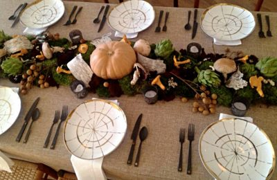 8 Thanksgiving Table Decorating Ideas for a Modern, Festive Gathering